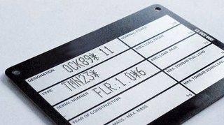Flexmark znakowarka znakowanie płytki znamionowej